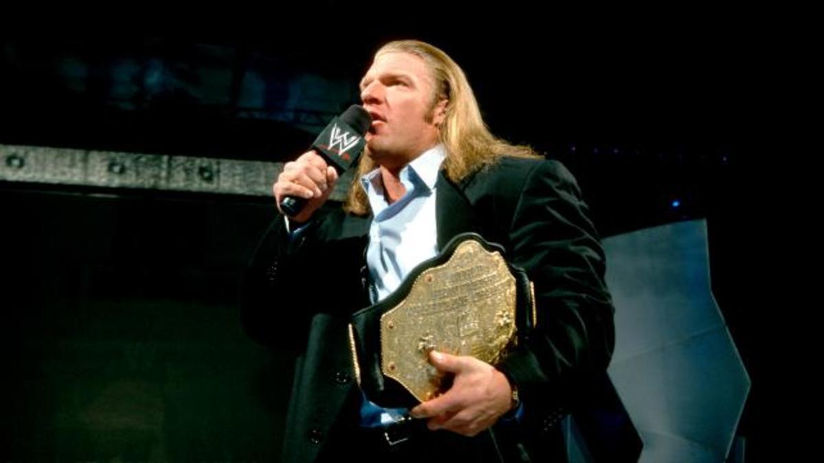 Resultado de imagem para triple h world heavyweight champion 2002